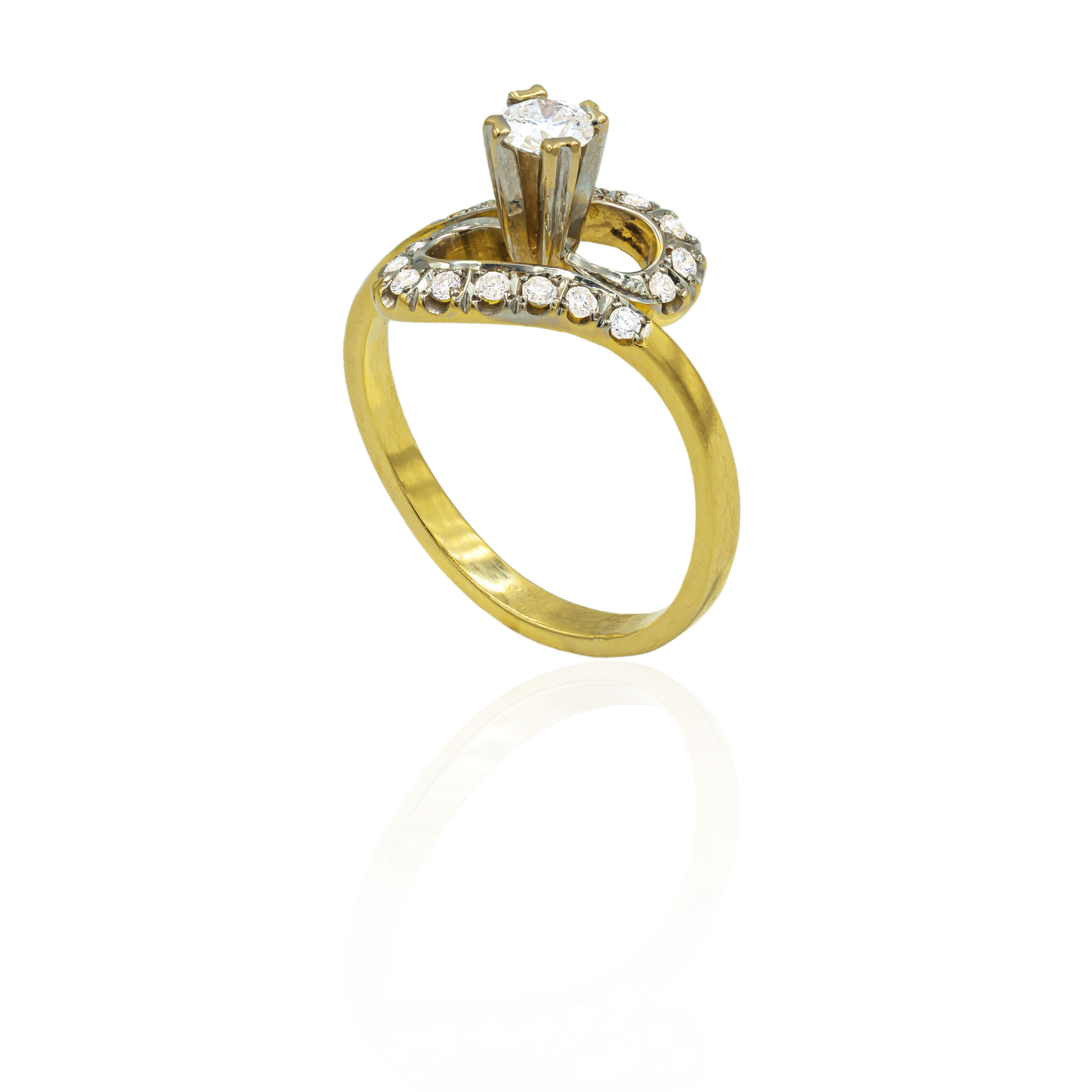 Pre-owned 18ct Yellow Gold Ring With Diamonds