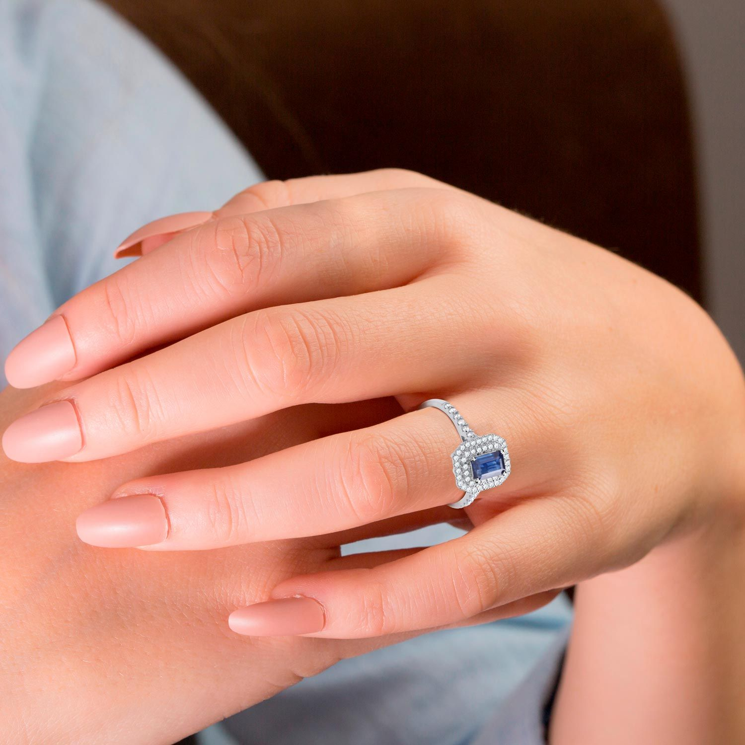 18ct White Gold Diamond and Sapphire Ring Sapphire Gold