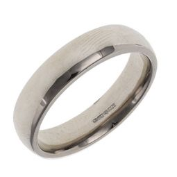 Pre-owned 18ct White Gold Court Shape  Wedding Ring - 8g
