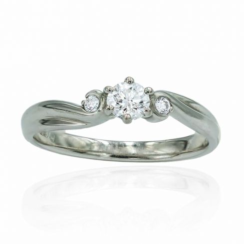Pre-owned 0.3cts Diamond And 18ct Gold Engagement Ring